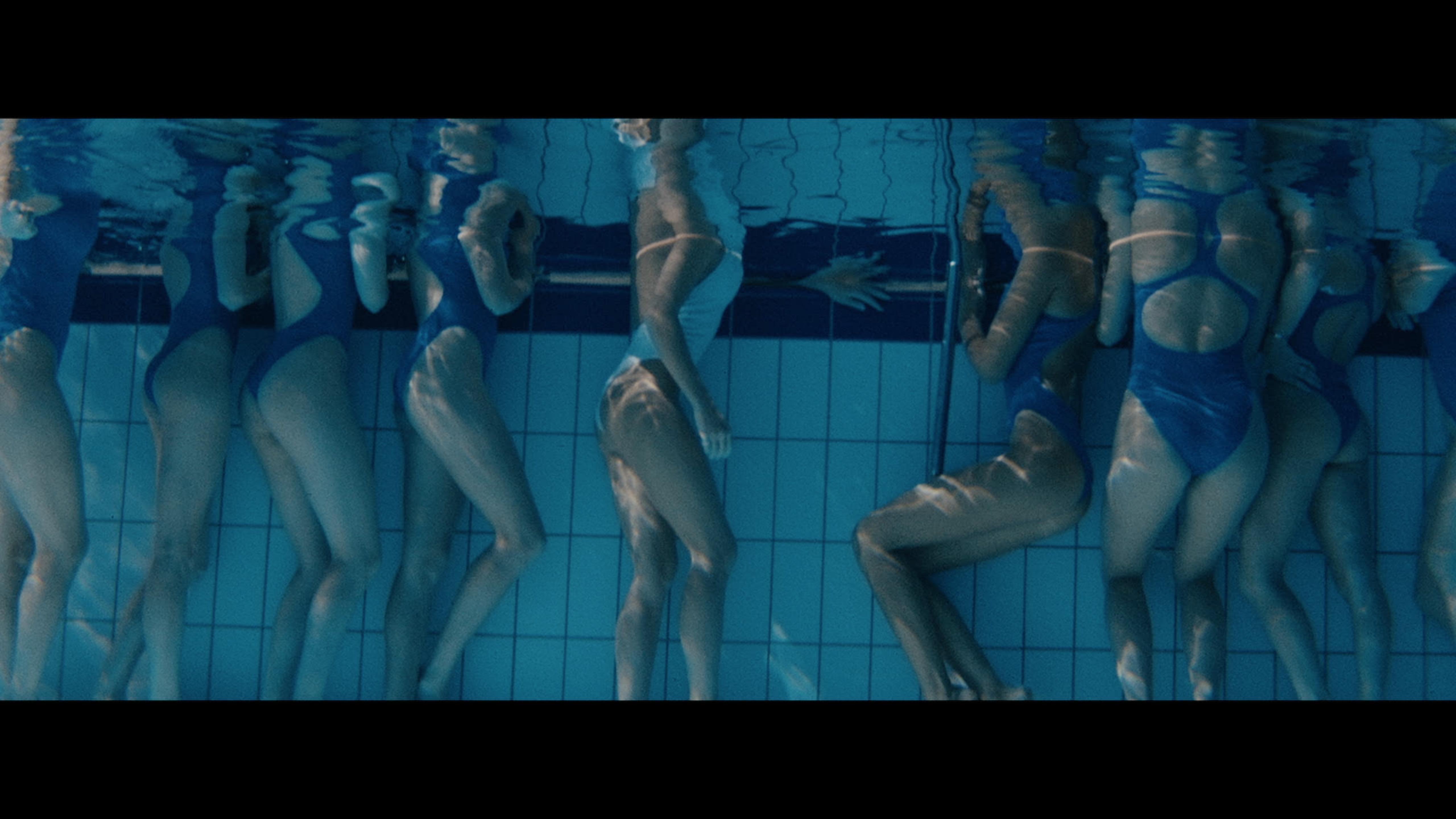світлини із фильма Фільм - Літо, Дзиґа, Love.