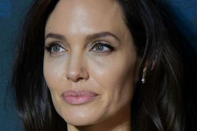 Новости: Адвокат Анджелины Джоли отказался работать с актрисой