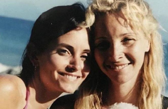 Новини: Кортні Кокс поділилася рідкісним фото з Лізою Кудроу