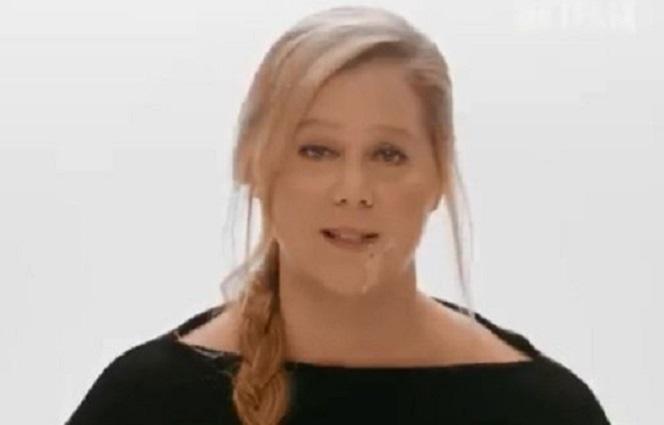 Новости: Эми Шумер стошнило на камеру