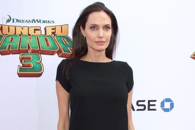 Новости: Анджелина Джоли планирует увезти семью из США