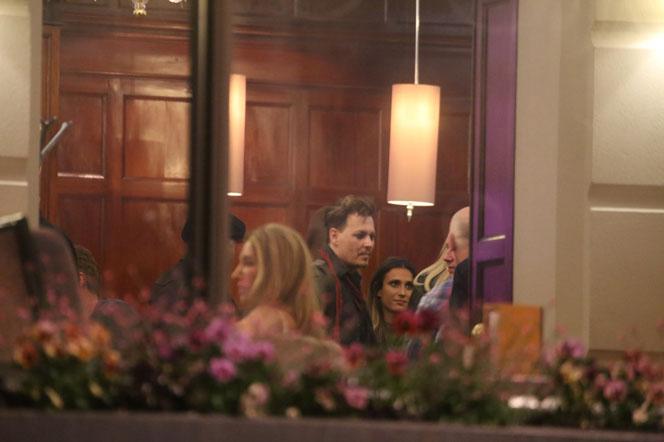 Новости: Джонни Депп был замечен с новой девушкой (фото)