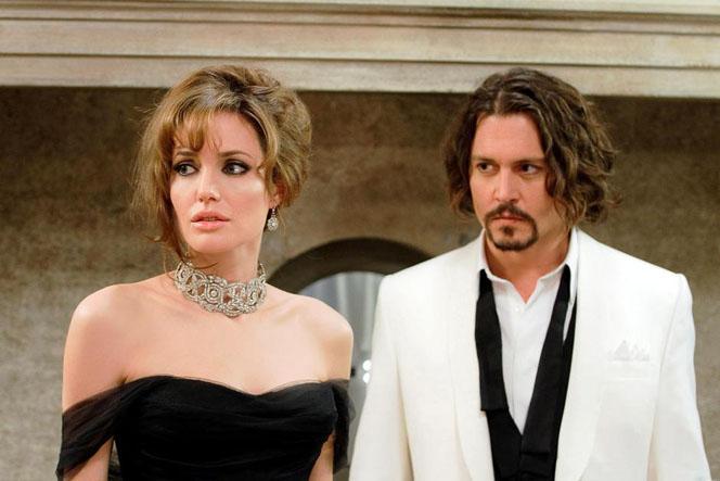 Новости: Анджелина Джоли не доверяла браку Деппа с Херд