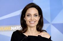 Анджеліна Джолі чесно висловилася про косметику