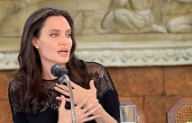 Анджеліна Джолі вперше вийшла в світ після розлучення