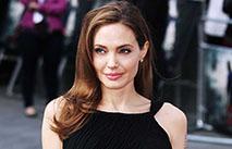 Анджелина Джоли призвала детей бороться за свои права