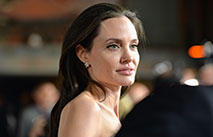 Анджелина Джоли медленно набирает вес