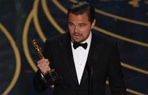 """ДіКапріо забув свій """"Оскар"""" у ресторані (ВІДЕО)"""