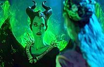 """Анджелина Джоли в первом трейлере """"Малефисенты 2"""""""