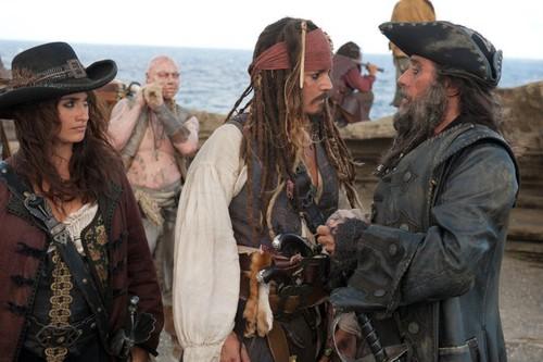 """Новости: """"Пираты Карибского моря-4"""" взорвали бокс-офис 2011 года"""