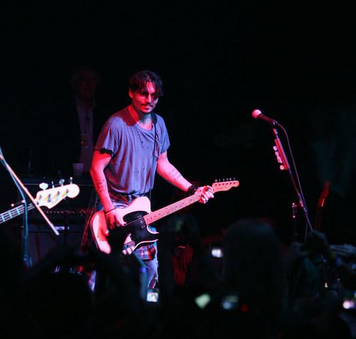 """Новости: Джонни Депп выпустит саундтреки к """"Ромовому дневнику"""""""