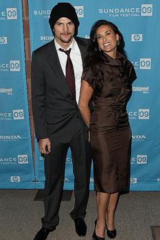 Новости: Деми Мур опять хочет разводиться с Катчером