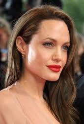 Новости: Анджелину Джоли наградили продюсеры и освистали сербы