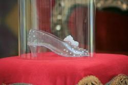 Новости: Кристиан Лубутен сделает туфельку для Золушки