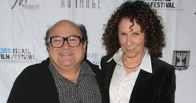 Новости: Денни ДеВито разводится с женой после 30-летнего брака