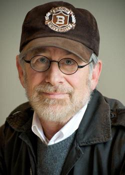 Новости: Стивен Спилберг оказался не опытным для фильма о Бонде