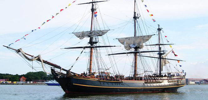 Новости: Копия «Баунти» из «Пиратов Карибского моря 2» утонула