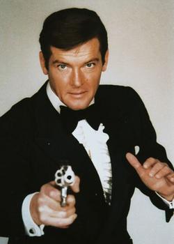 Новости: Третий по счету Бонд признал  Крэйга лучшим агентом 007