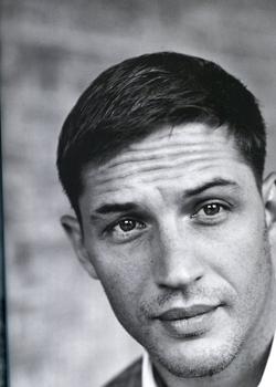 Новости: Том Харди станет десантником-шизофреником