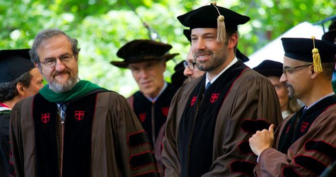 Новости: Бен Аффлек получил ученую степень доктора наук