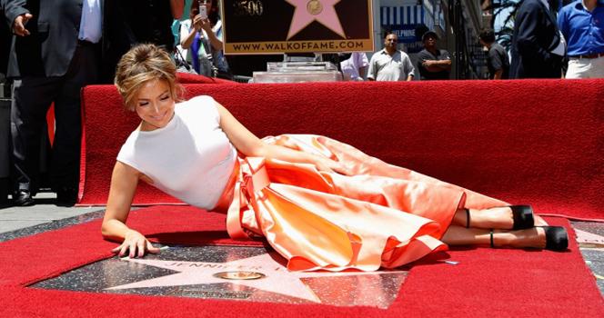 Новости: Дженнифер Лопез получила звезду на Аллее Славы
