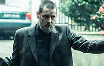"""Мрачный Джим Керри в трейлере """"Темных преступлений"""""""