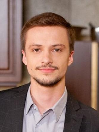 Персона - Макар Тихомиров