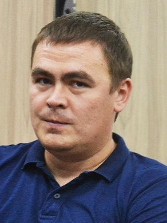 Персона - Олександр Земляний