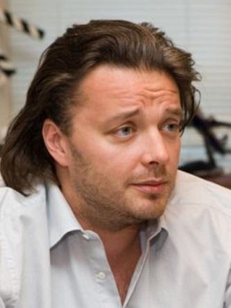 Персона - Александр Черняев