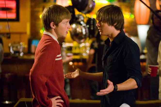 Full Sized Photo of zac efron sterling knight 17 again stills 06 Zac